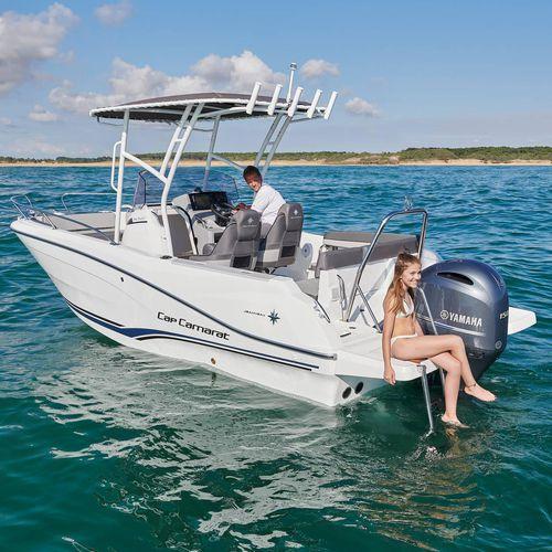 открытый катер c подвесным мотором / с центральной консолью / открытый / для спортивной рыбалки
