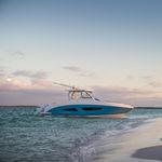 небольшой катер c подвесным мотором / двухмоторный / боурайдер / для спортивной рыбалки