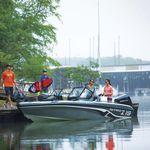 рыбацкая лодка c подвесным мотором / с двойной консолью / для спортивной рыбалки / макс. 6 человек