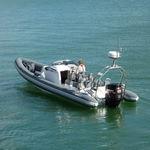 надувная лодка c подвесным мотором / полужесткая / с рулевой консолью / спортивная