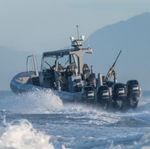 военный катер / c подвесным мотором / из алюминия / надувная лодка с полужестким корпусом