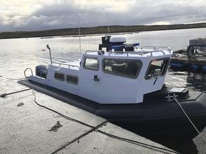 профессиональный катер военный катер / катер береговой охраны / спасательно-поисковое судно / научно-исследовательское судно