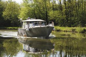 моторная яхта для рыбной ловли