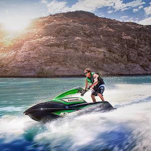 водный мотоцикл с шарнирным рычагом