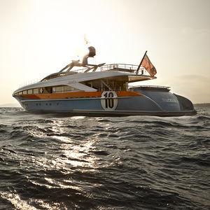 круизная супер-яхта