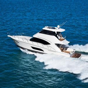 круизная моторная яхта / оффшорная / для спортивной рыбалки / с закрытым флайбриджем