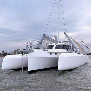парусная яхта тримаран