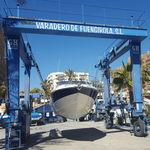 портовый подъемный кран / для яхтенной стоянки / для яхты / шарнирный