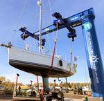 подъемный кран для яхтенной стоянки / поворотно-консольный