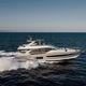 круизная моторная яхта / с флайбриджем / POD IPS / 4 каюты